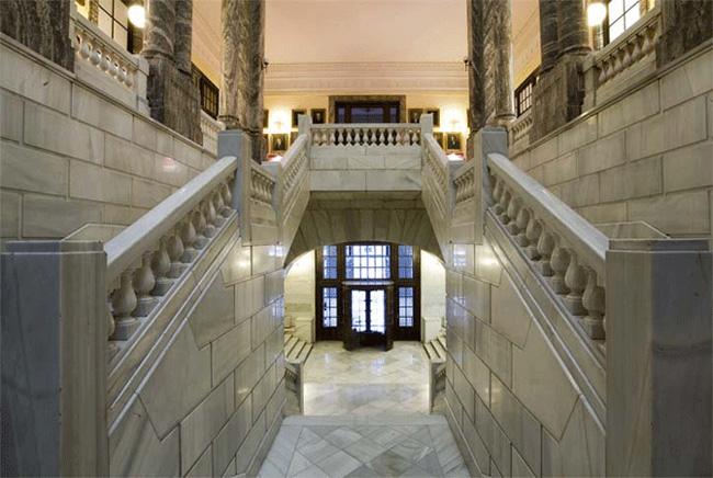 Η είσοδος στο Μουσείο ©www.igme.es